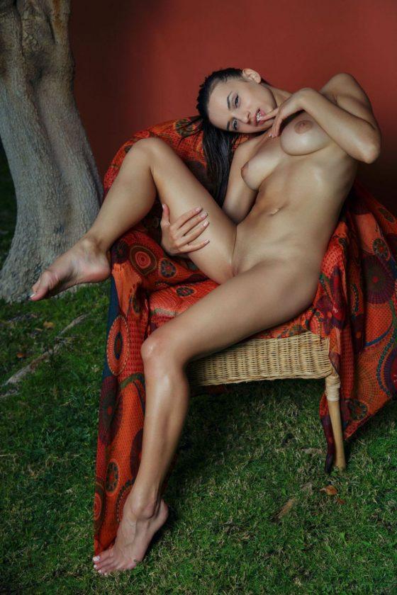 Gloria Sol Nude In Dineba MetArt Model Photos